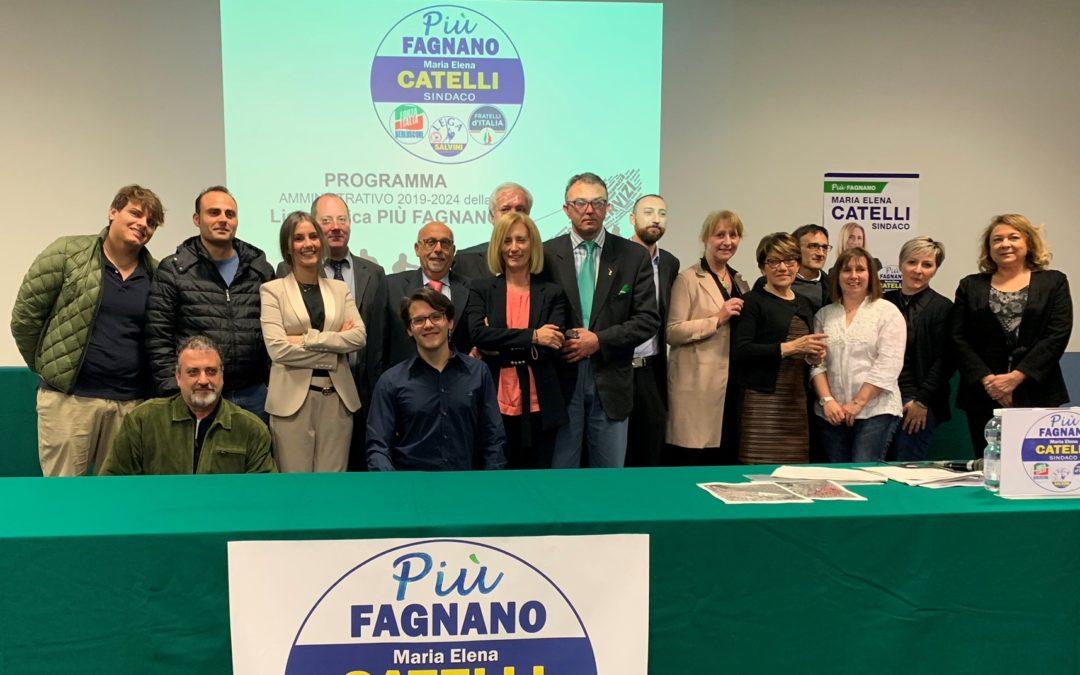 Maria Elena Catelli presenta squadra e programma, attorniata dai big
