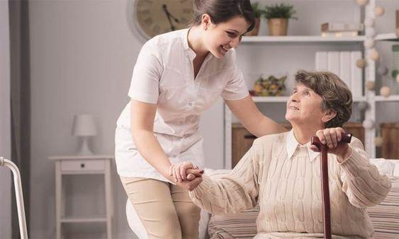 Il centro anziani della discordia: due proposte a confronto