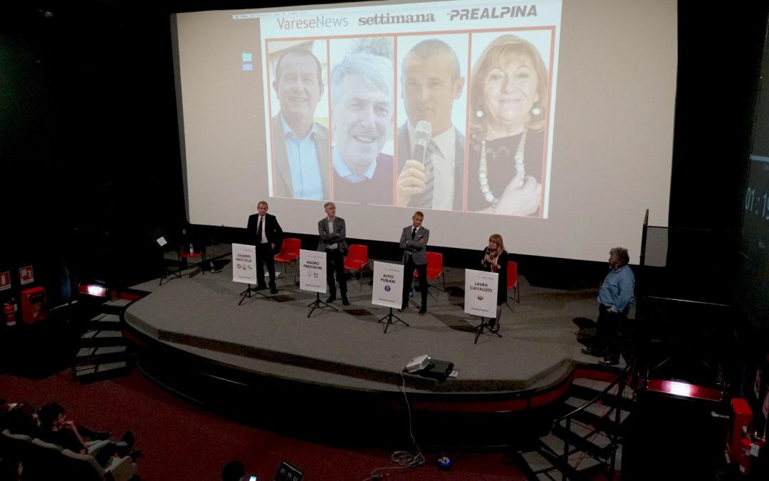 Applausi e fischi scaldano il confronto elettorale di Tradate